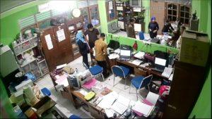 WhatsApp-Image-2017-10-24-at-16.20.23-300x169 Penyebab gambar kamera CCTV tidak muncul di Monitor